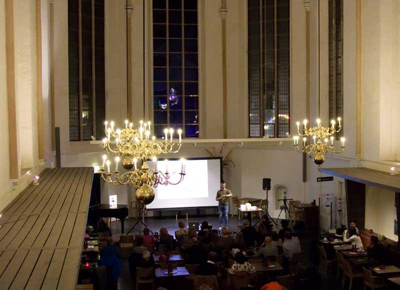 Tom Tichelaar boeklezing Waanders in de Broeren te Zwolle 1 november 18